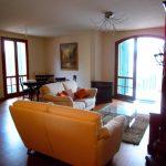 Appartamento centrale  nuovo di pregio con terrazzo