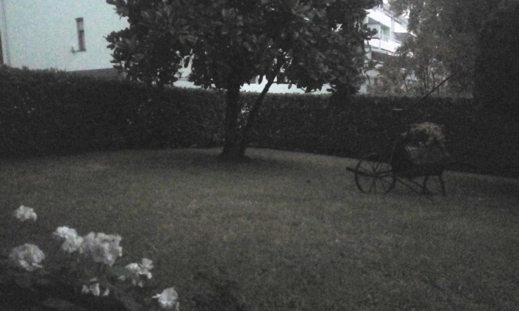 appartamento-porzione di casa con giardino grande ingresso indipendente